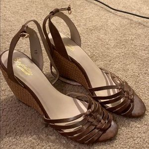 Seychelles brown wedge size 10